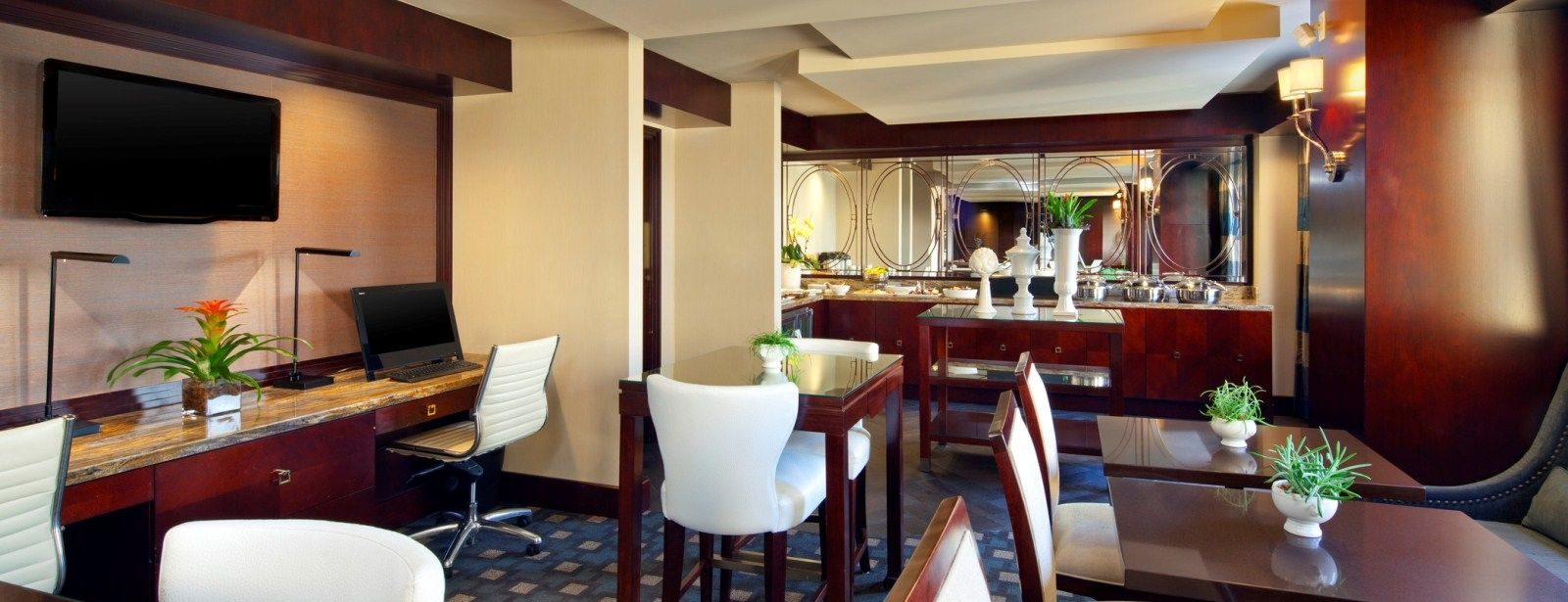 Club Suites | Sheraton Fairplex Hotel & Conference Center